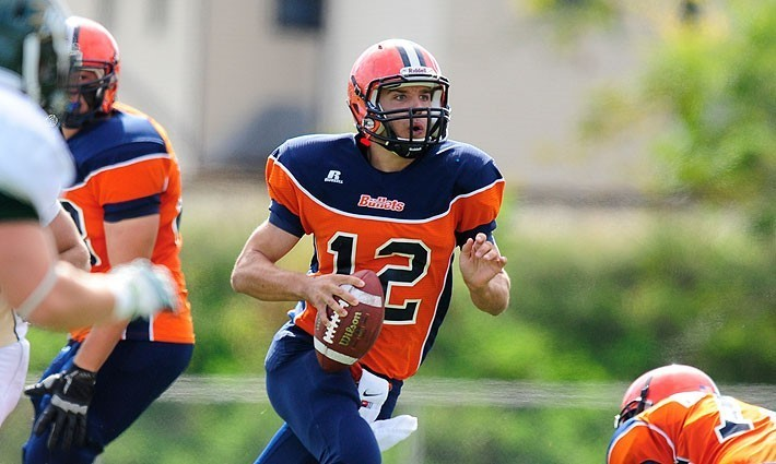 Smith S Big Day Lifts Football Over Moravian Gettysburg College